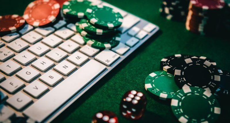 10 Easy steps to play poker online